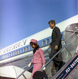 Photo courtesy of Cecil Stoughton. White House Photographs. John F. Kennedy Presidential Library and Museum, Boston.