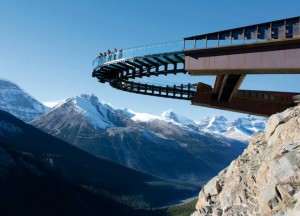 The Glacier Skywalk in Alberta, Canada, sits 918 feet over the Sunwapta Valley and is cantilevered 100 feet out from the side of a cliff at Jasper National Park. (photo: Brewster, Inc.)